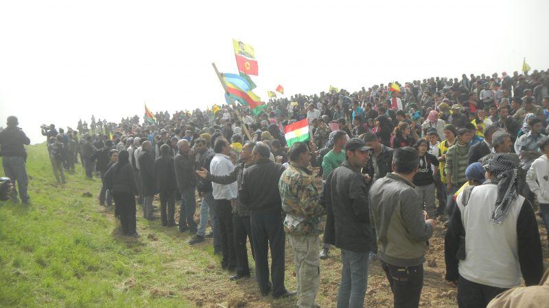 Kurderne i Syrien vil have åbnet grænserne til det irakiske Kurdistan