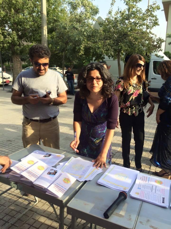 Choman Hardi og andre på besøg i det kurdiske parlament