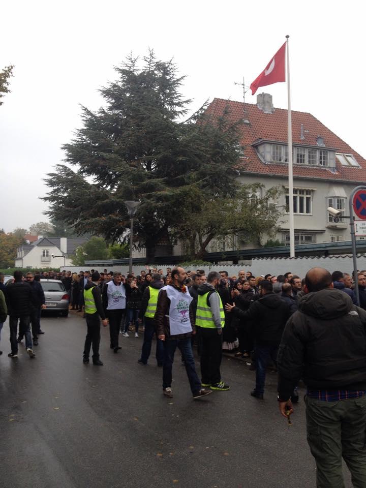 Provokation foran den tyrkiske ambassade