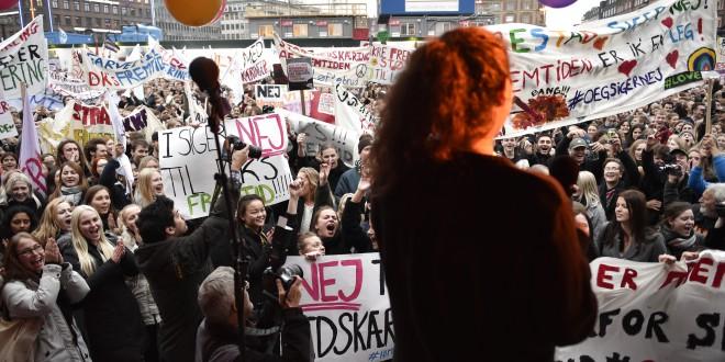 2.000 elever demonstrerer mod skolereformen