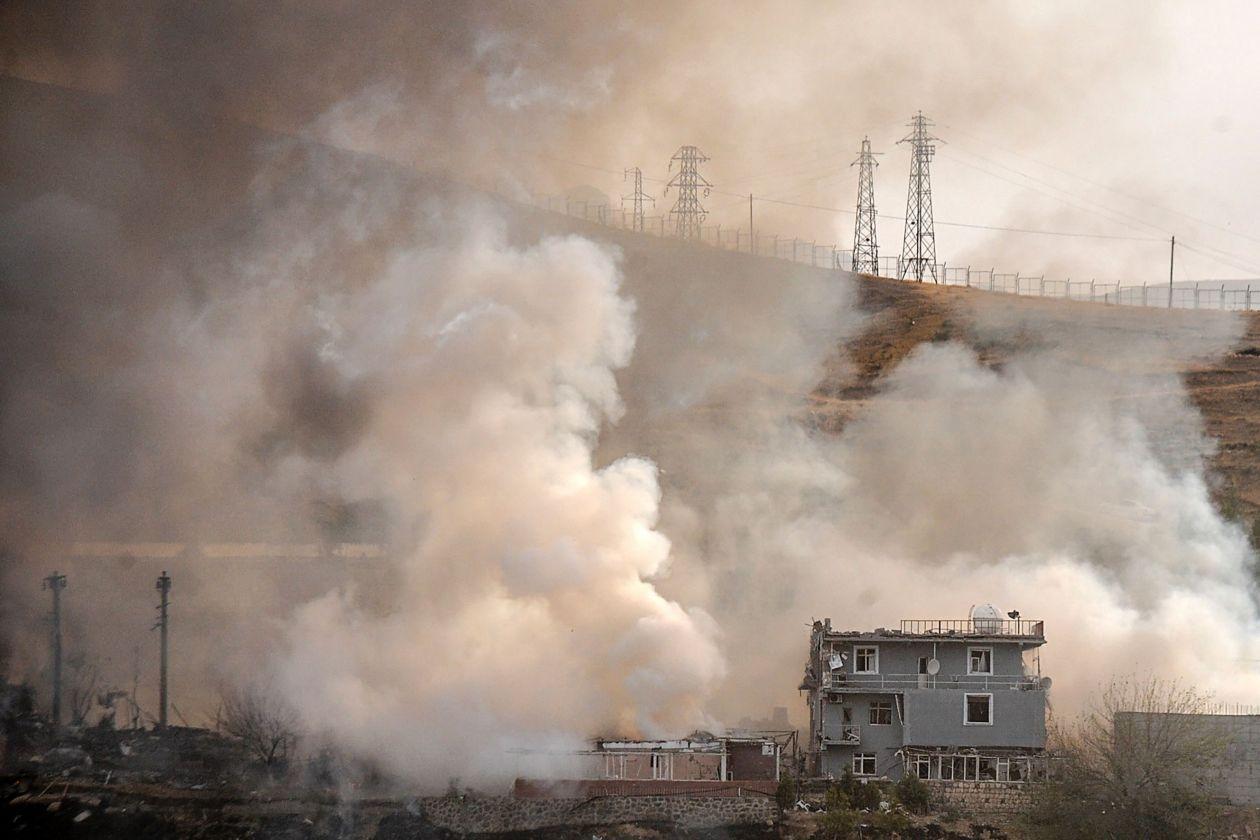 Tyrkiet bomber kurdiske stillinger i det nordlige Syrien