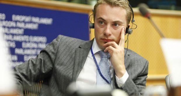Messerschmidt smidt ud af Dansk Folkepartis ledelse
