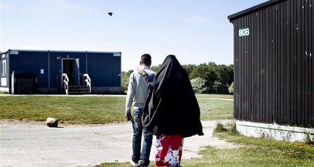 Asylcentre lukker på stribe