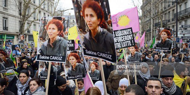 Tre kurdiske kvinder for seks år siden og seks år efter