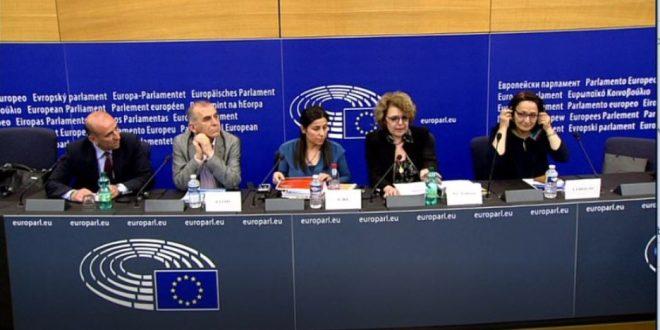 Lukning af kurdiske kanaler bragt til Europa-Parlamentet