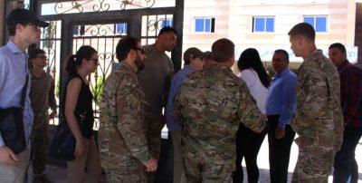 Amerikansk delegation besøger Manbij