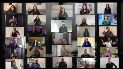 Kurdiske kunstnere synger for alle fangerne