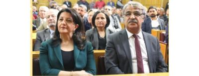 Demirtaş og alle politikere, der er taget som gidsler, skal løslades straks
