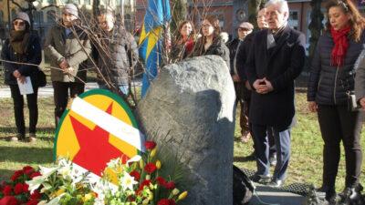 Kurderne besøger Olof Palmes gravsted