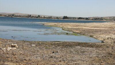 Den tyrkiske stat afskærer vandforsyningen fra Eufrat-floden som en særlig krigsmetode