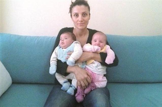 Kurdisk kvinde skal i fængsel med sine to små tvillinger