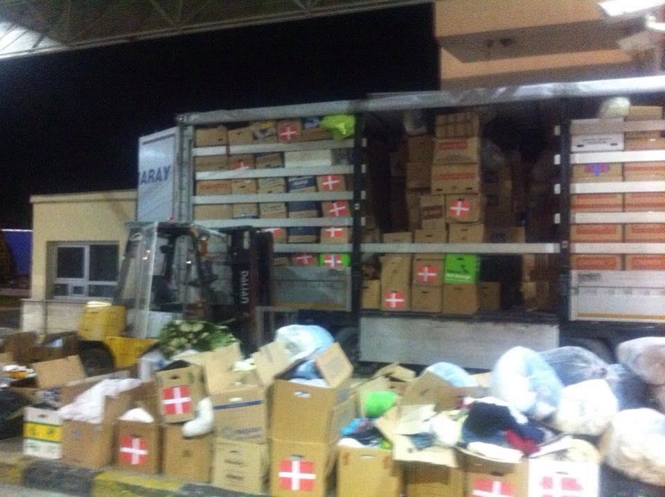 Tyrkiet standser lastbiler med hjælp til Rojava