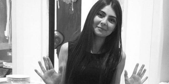 En 25-årig kvinde er død efter det tyrkiske politi skød hende under ransagning