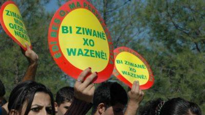 Lærer straffet for at tale kurdisk