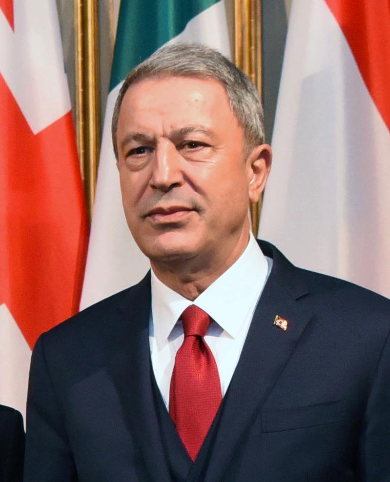 Kun et mirakel kan redde den tyrkiske forsvarsminister, siger militærforskeren Salih Zeki Tombak til...