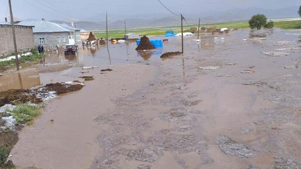 Oversvømmelser i Serhat-regionen dræber dyr, ødelægger huse