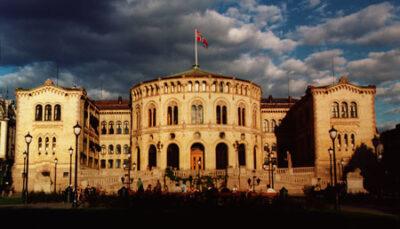 To kurdere er blevet valgt ind i det norske parlament